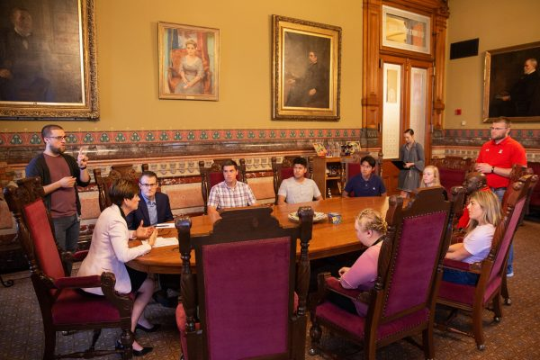 Scarlets Get an Audience at the Governor's Office